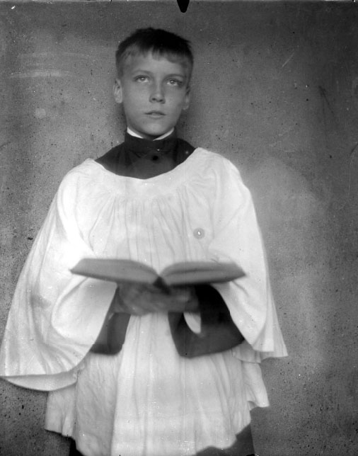 Frank Berry. Portrait of Frank W. Berry in his Altar Robes (Philadelphia, ca. 1907). Reproduction from a glass negative. Gift of Richard R. Frame.